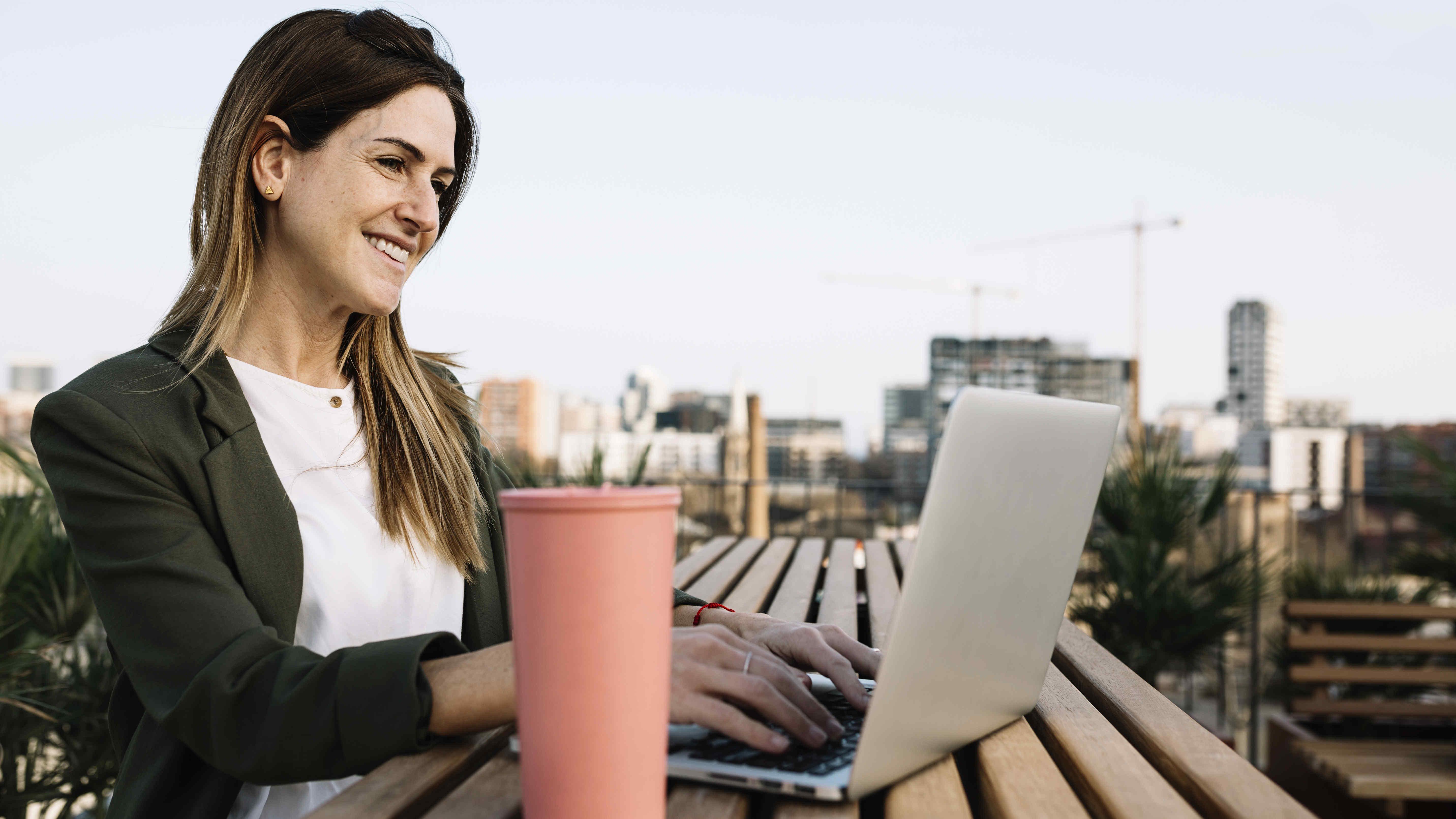 Business, Laptop, Notebooks, IT & Informatik, Technologie Urheberrechte: Adobe Stock / Xavier Lorenzo
